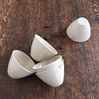 白い磁器のみにカップ 古道具ナンバーカップ
