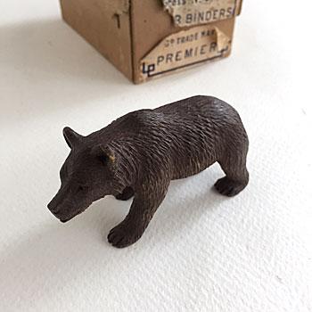 木彫りのくま アンティークスイスのくま アンティークくまのおきもの 郷土土産くま
