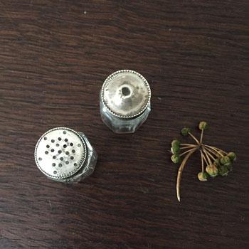 小さなソルト&ペッパー STERLING SILVER イギリスシルバーS&P ソルトアンドペッパー