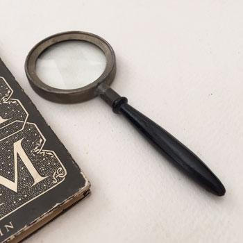 イギリス製のアンティークルーペ 古い虫眼鏡