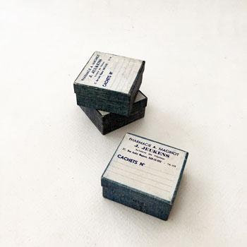 1930年頃のフランスの小さなファーマシーボックス アンティーク紙箱