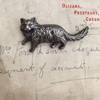 アンティークブリキねこブローチ シルバーキャットブローチ 猫ブローチ