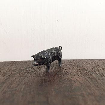 黒ブタのフィギュア アンティーク鉄の黒ぶた アンティーク動物のおもちゃ