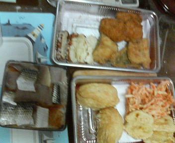 晩御飯 いなりずし、コノシロの押し寿司、揚げ物