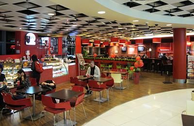 アブダビ空港のカフェ