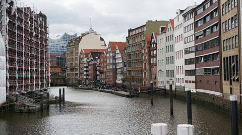 ハンブルクの運河沿い