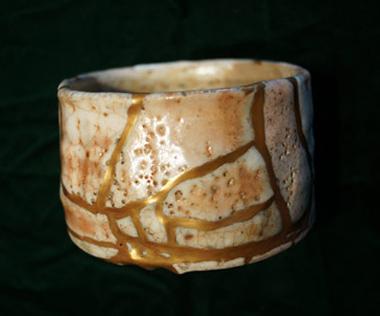 金継ぎ:よびつぎ志野茶碗