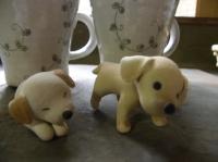 思わず買ってしまった仔犬2頭とマグカップ