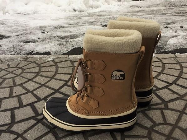 SOREL snow boots (2).JPG