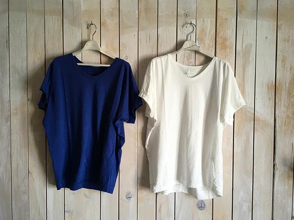 パドカレ UネックTシャツ ホワイト ブルー.jpg