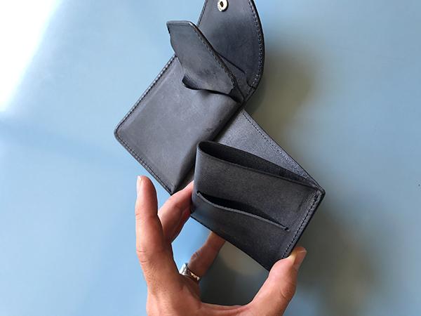 エンダースキーマ wallet navy.jpg