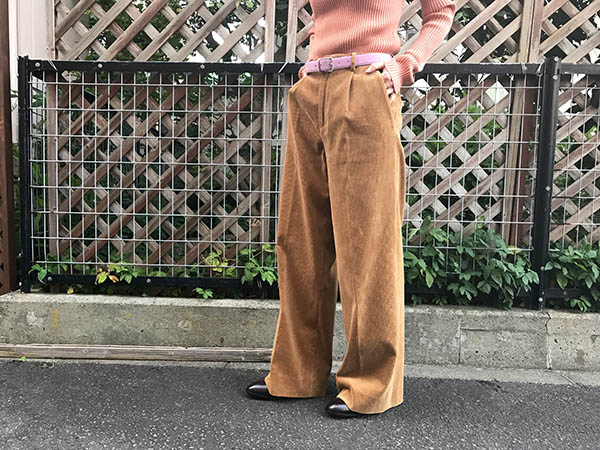 AURALEE WASHED CORDUROY WIDE SLACKS.jpg