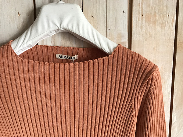 AURALEE SUPER FINE WOOL WIDE RIB KNIT BOAT NECK.jpg