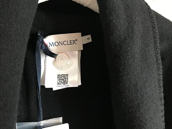MONCLER ケープ.jpg