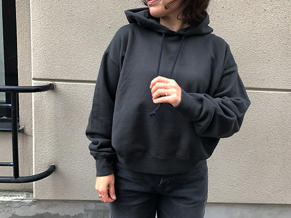 AURALEE BACK WOOL SWEAT パーカー.jpg