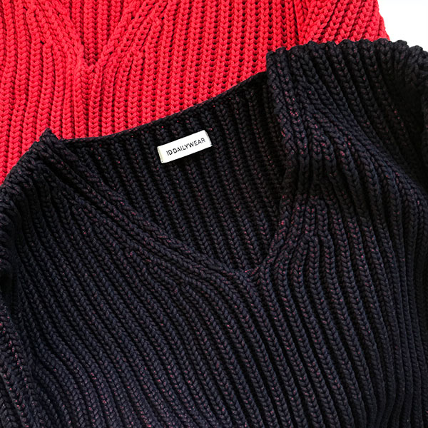 ID DAILYWEAR narrow sliver?lilyyarn v neck knit navy.jpg