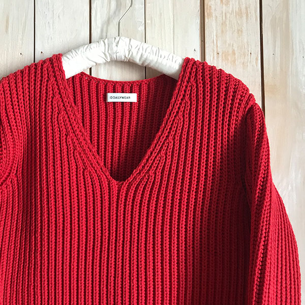 ID DAILYWEAR narrow sliver?lilyyarn v neck knit red.jpg