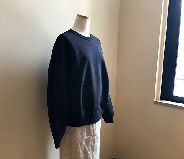 AURALEE SUPER SOFT SWEAT BIG PULLOVER NAVY.jpg