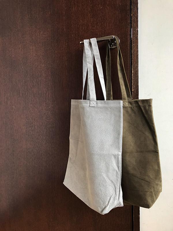エンダースキーマ pig bag M ライトグレー.jpg