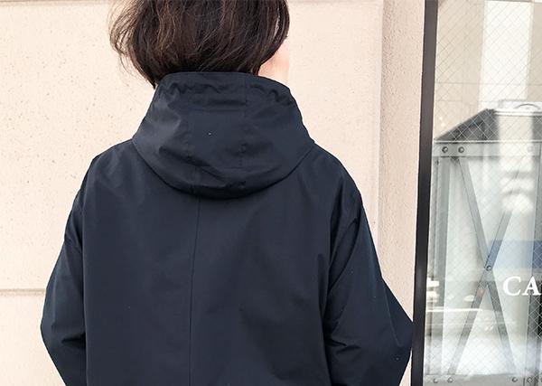 AURALEEのフーデッドコート.jpg