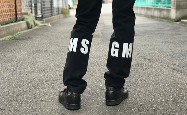 MSGM メンズ ロゴブラックデニム.jpg