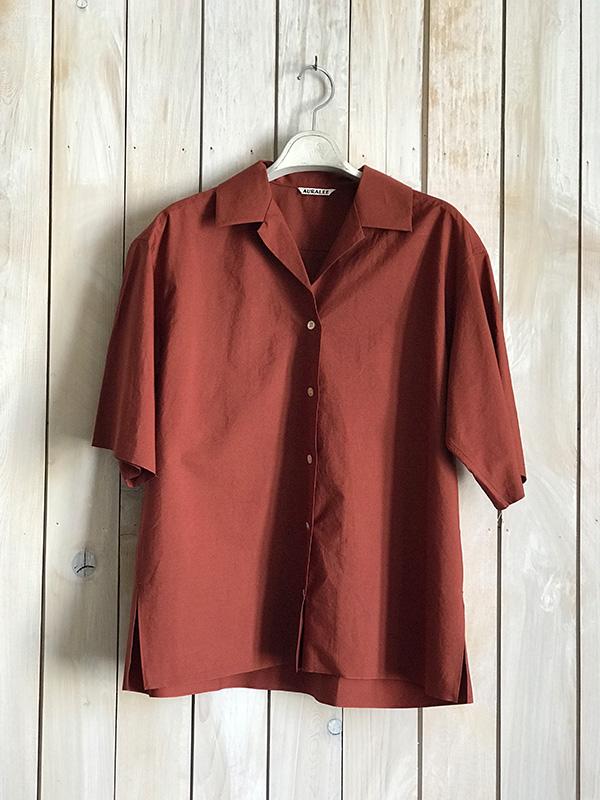 オーラリー 半そでシャツ ブリックレッド.jpg