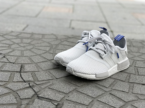 adidas nmd r1 ホワイト.jpg