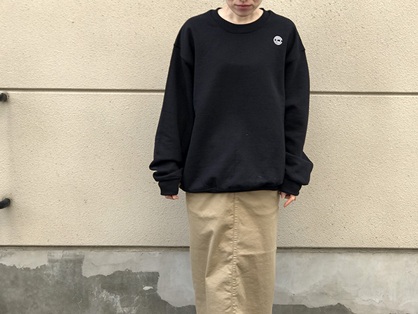 チャリアンドコー BIG GOTHAM LOGO CREWNECK SWEATS.jpg