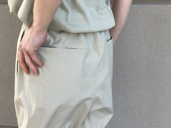 AURALEEのイージーワイドパンツ.jpg