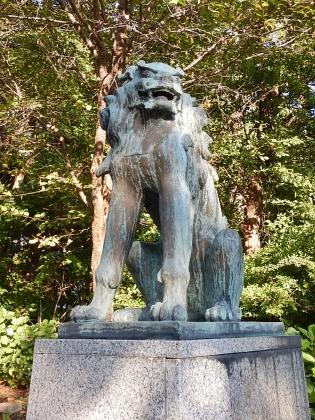 虻田神社_170916 狛犬阿.JPG