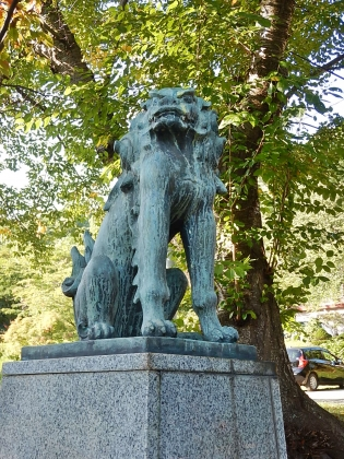 虻田神社_170916 狛犬吽.JPG