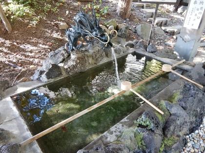 虻田神社_170916 手水舎.JPG