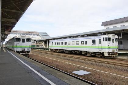 追分駅で室蘭本線キハ40と一緒に_171021 (1).jpg