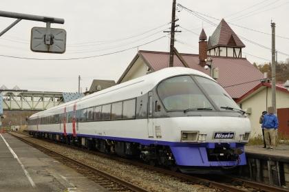 ニセコエクスプレス_171029 ニセコ駅.jpg