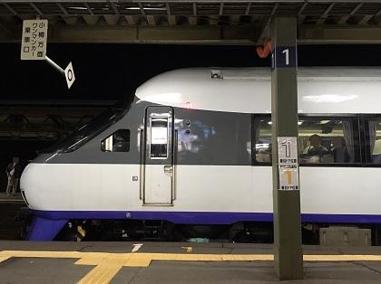 ニセコエクスプレス_171029 先頭車横から撮影 余市駅.JPG