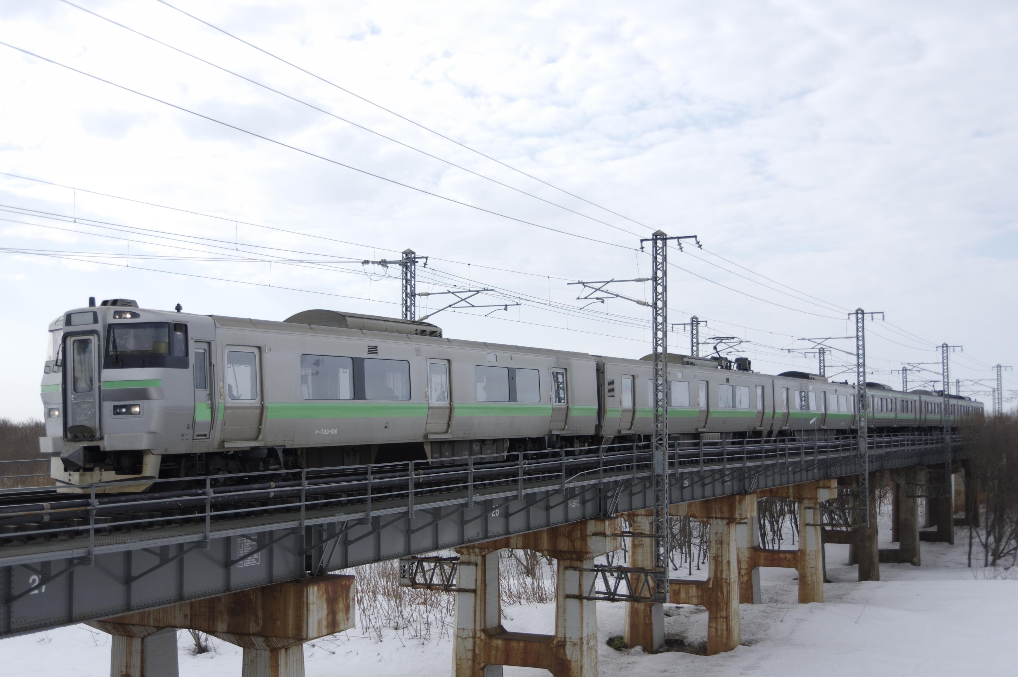 江別ー豊幌 夕張川橋梁 135M 普通列車_180324.jpg