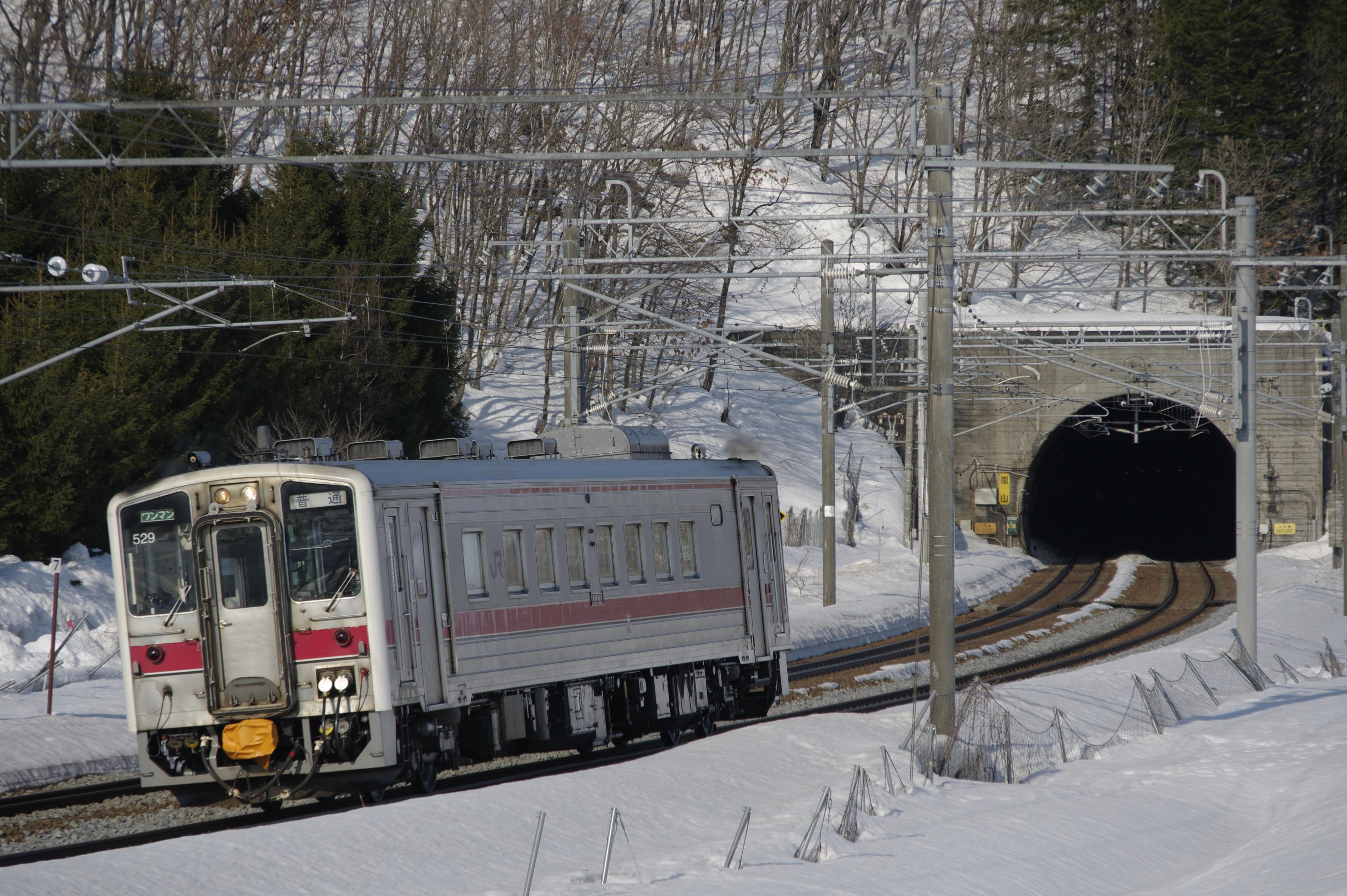 近文−伊納 嵐山トンネル 4929D 普通列車_180325.jpg
