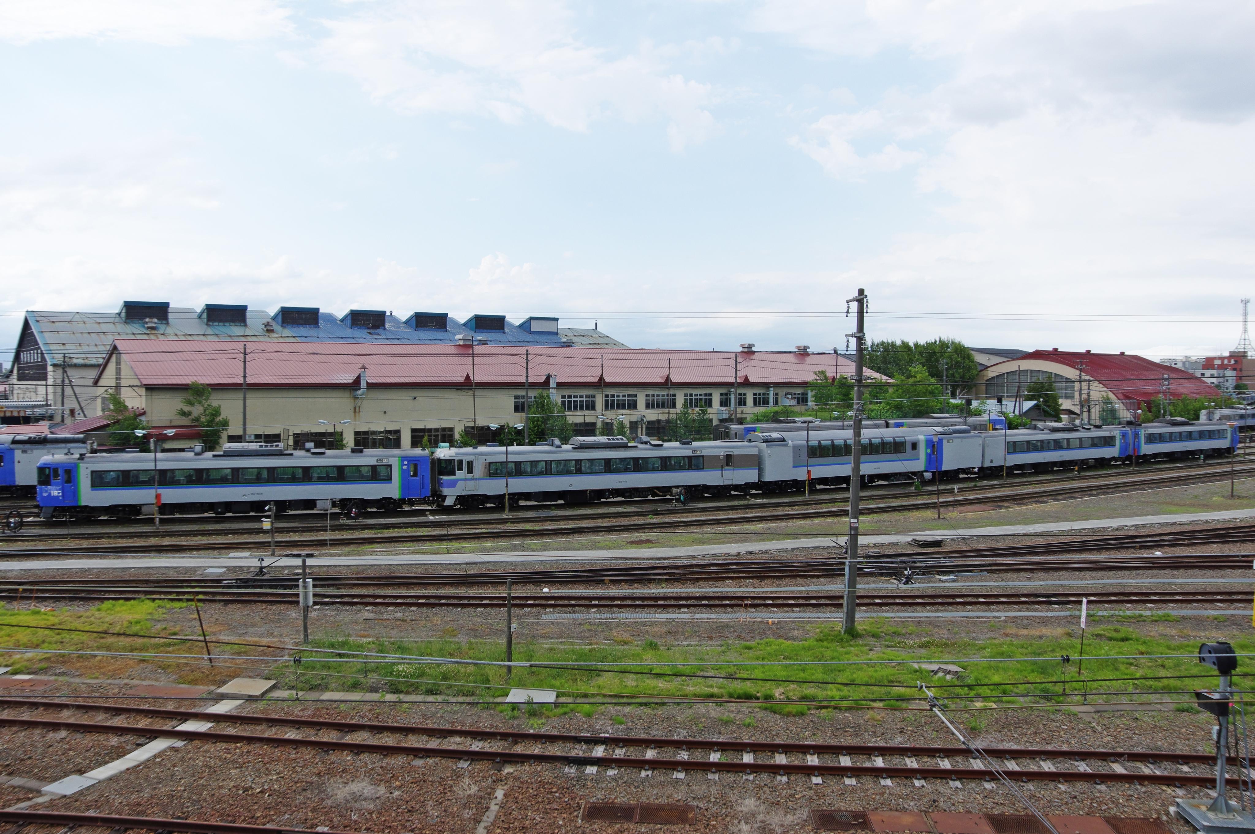 苗穂駅 キハ183-406込特急オホーツク_180621.jpg