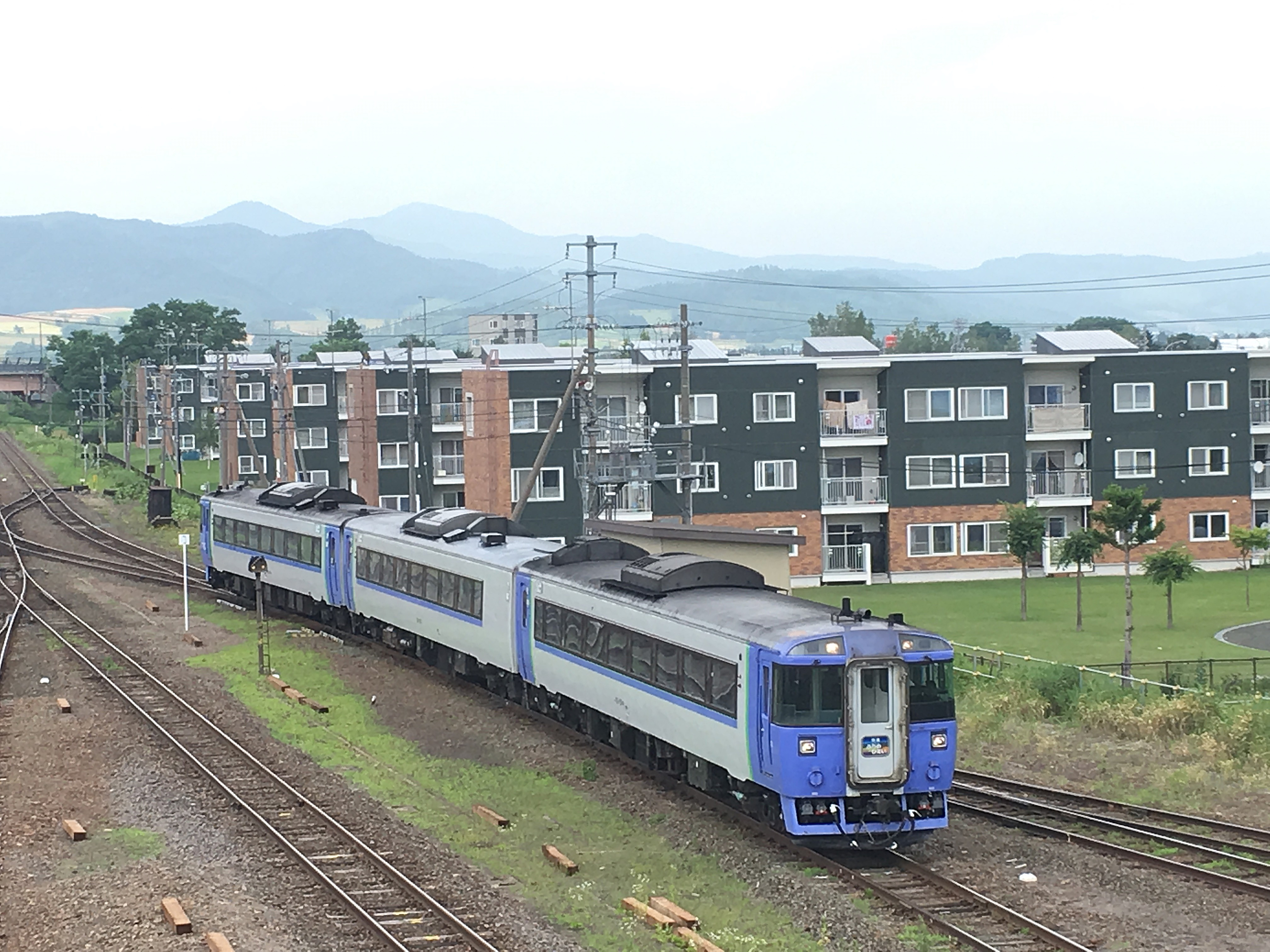 快速ふらの・びえい 富良野駅入線_180721.JPG