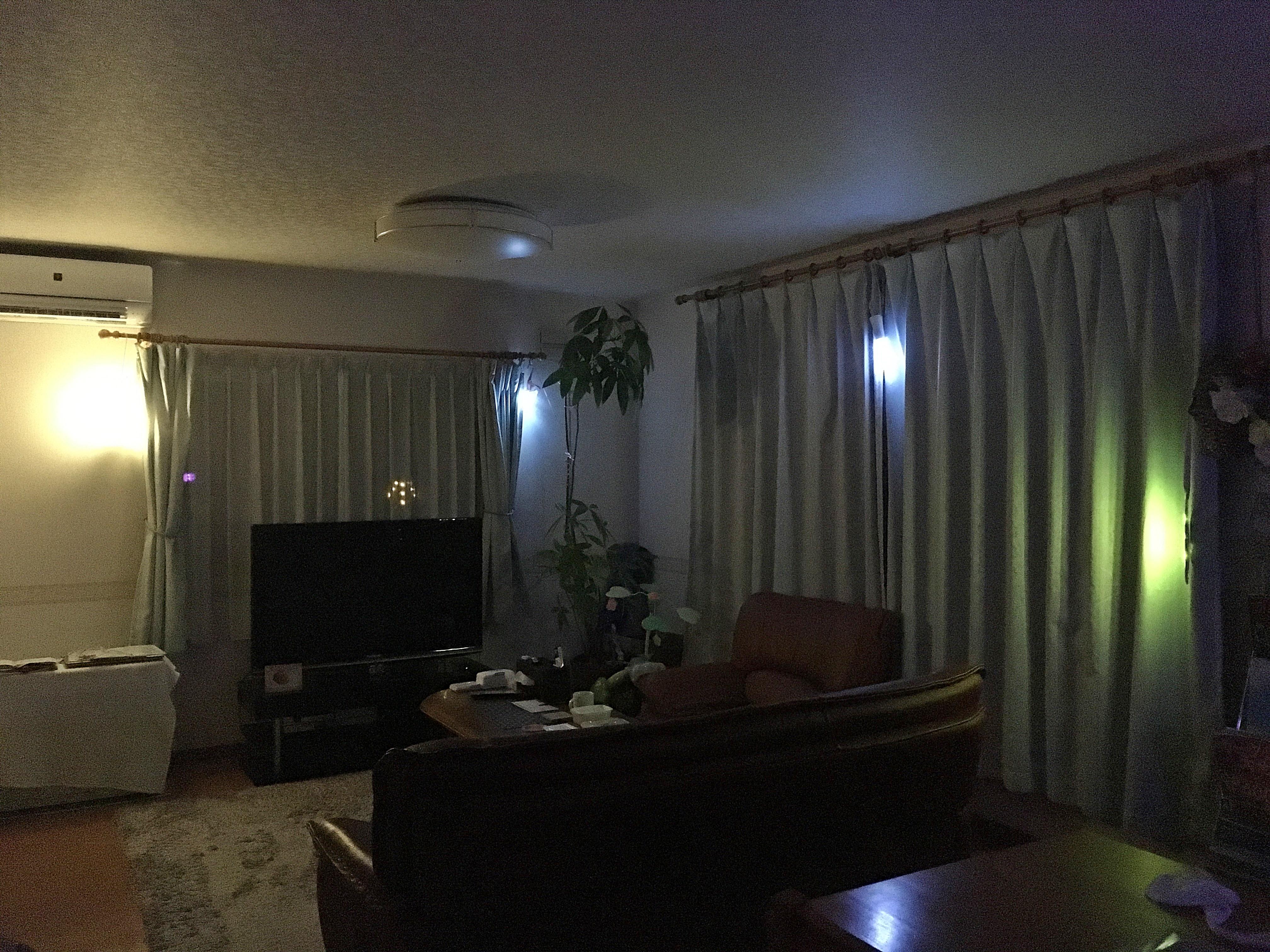 北海道胆振東部地震 停電時照明 リビングルーム180906.JPG