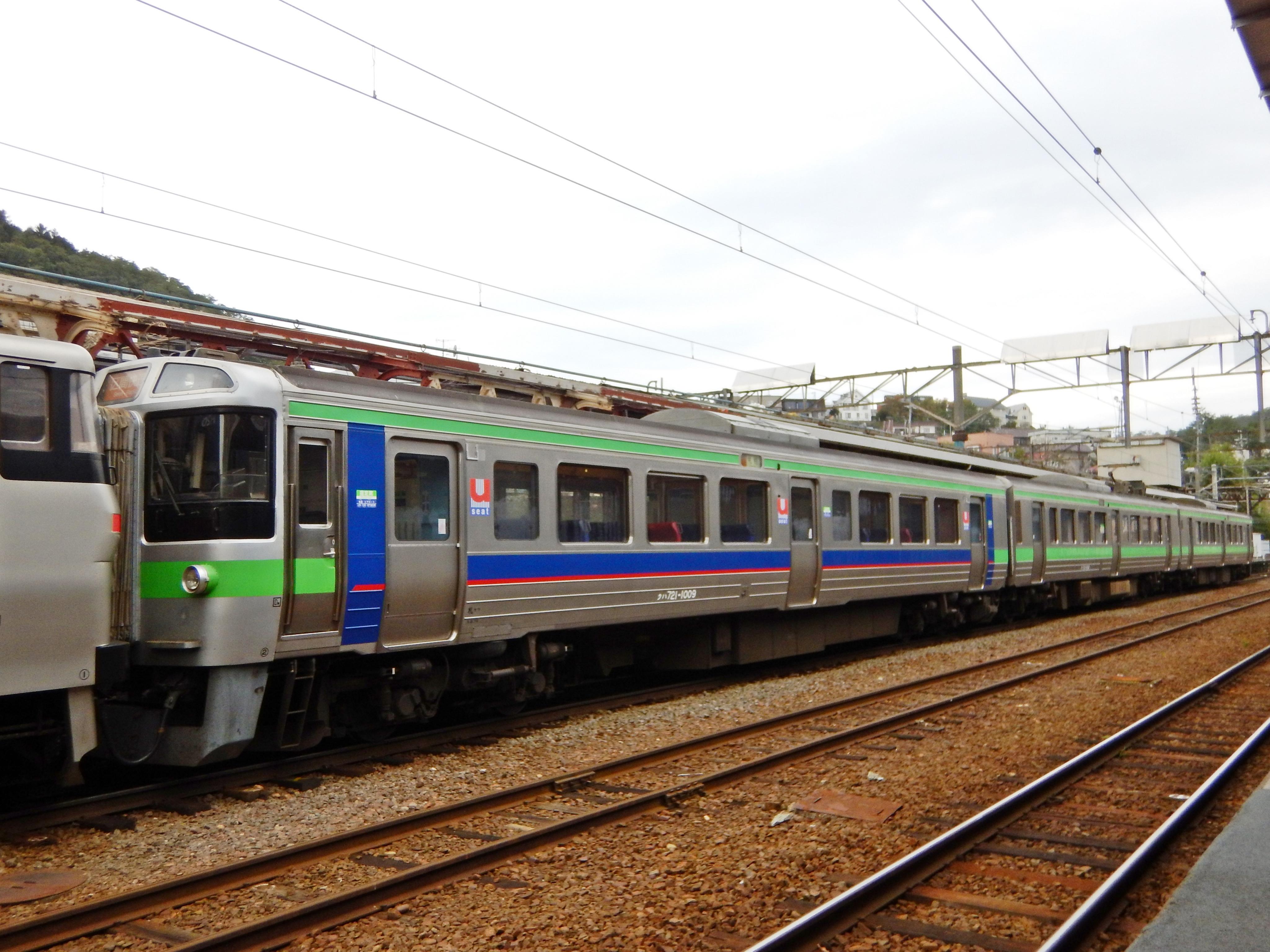 721系 F-1009 3429M 区間快速いしかりライナー 小樽駅 180924 (1).JPG