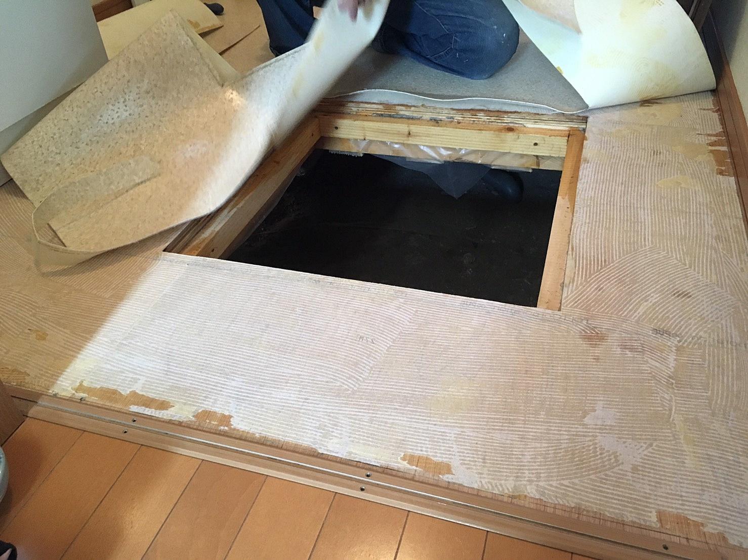 洗面所床リフォーム 既存床材剥がし.JPG
