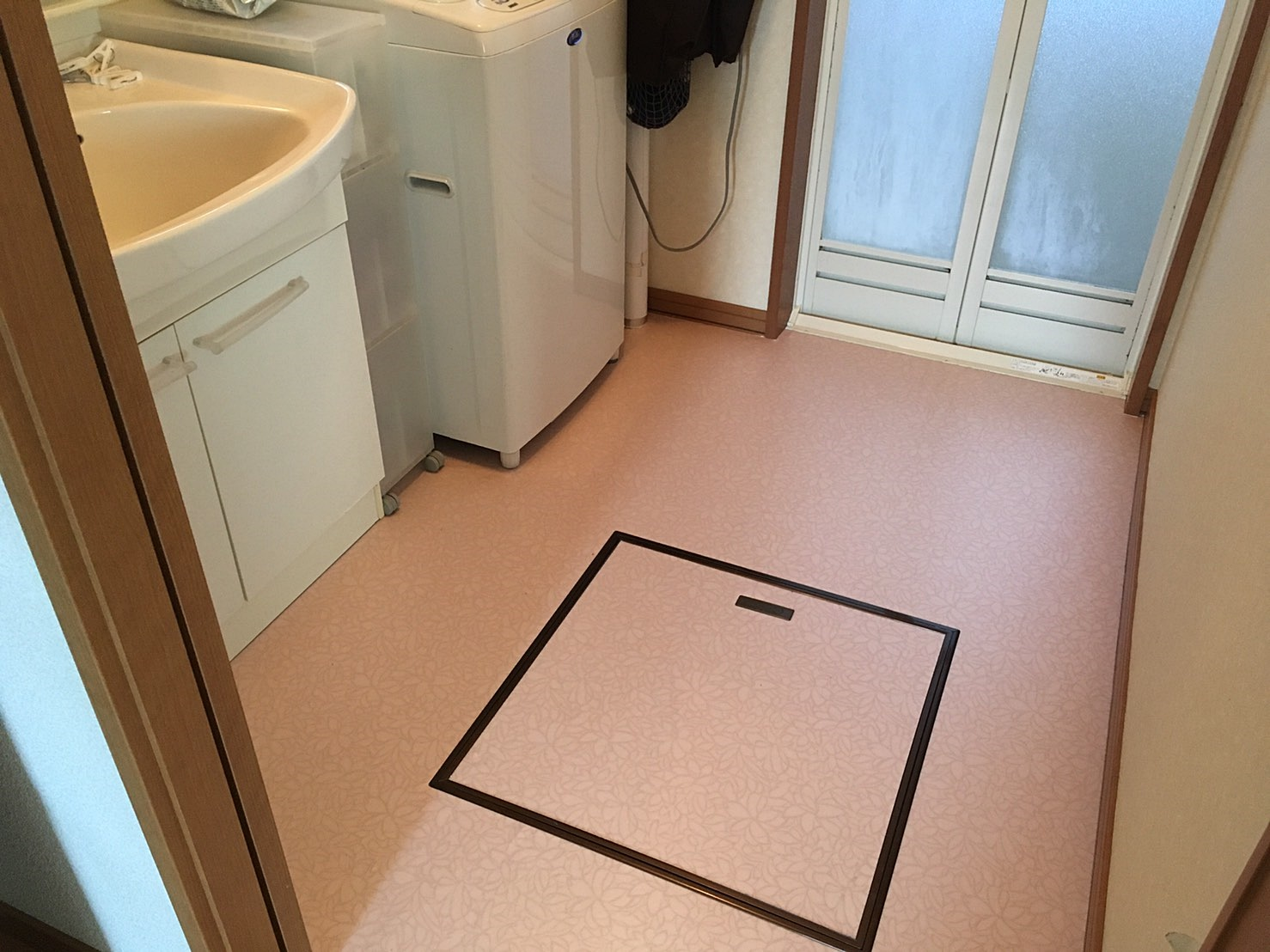 洗面所床リフォーム 完成.JPG