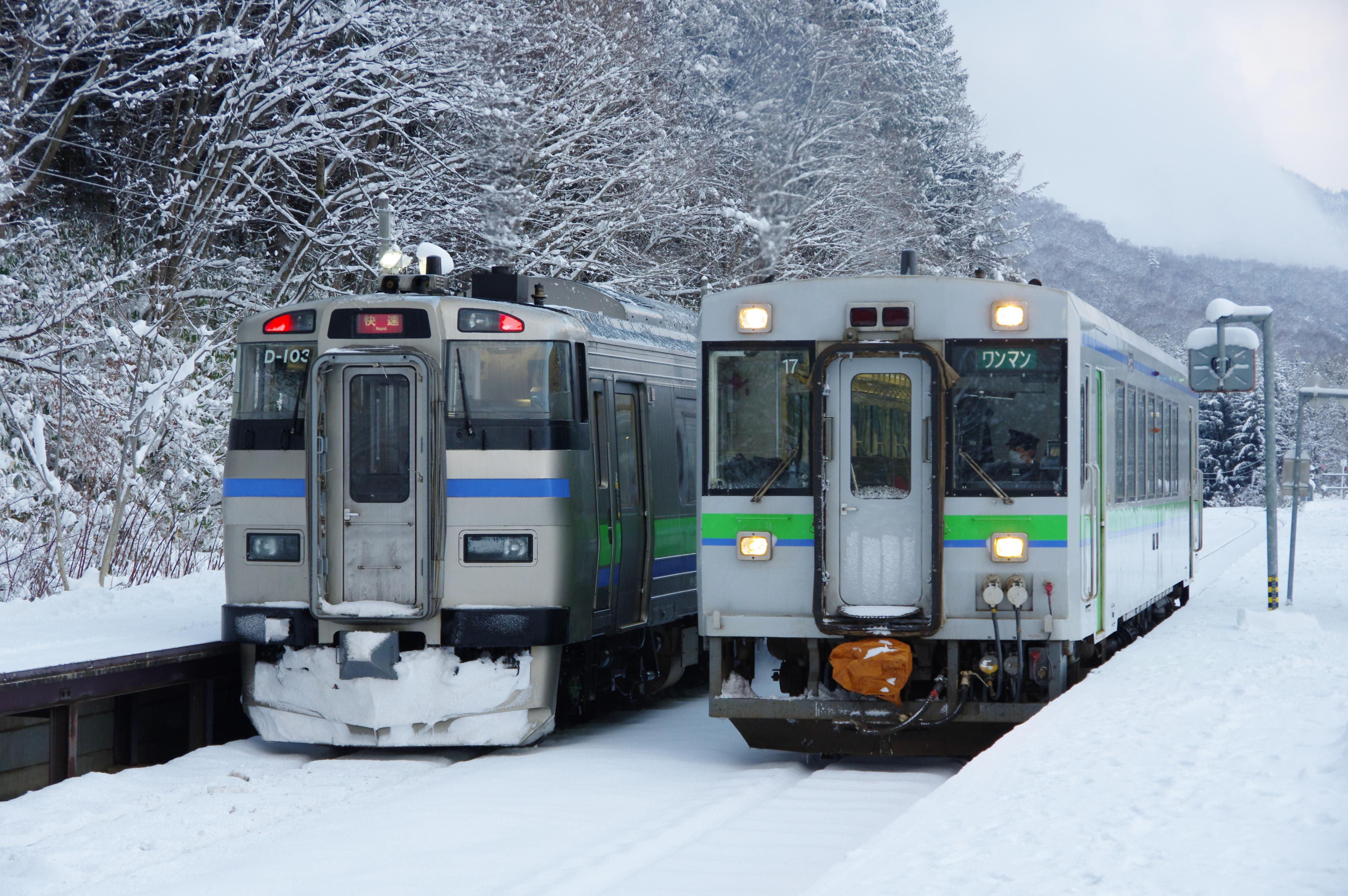 銀山駅 3925D&1926D_181124.jpg