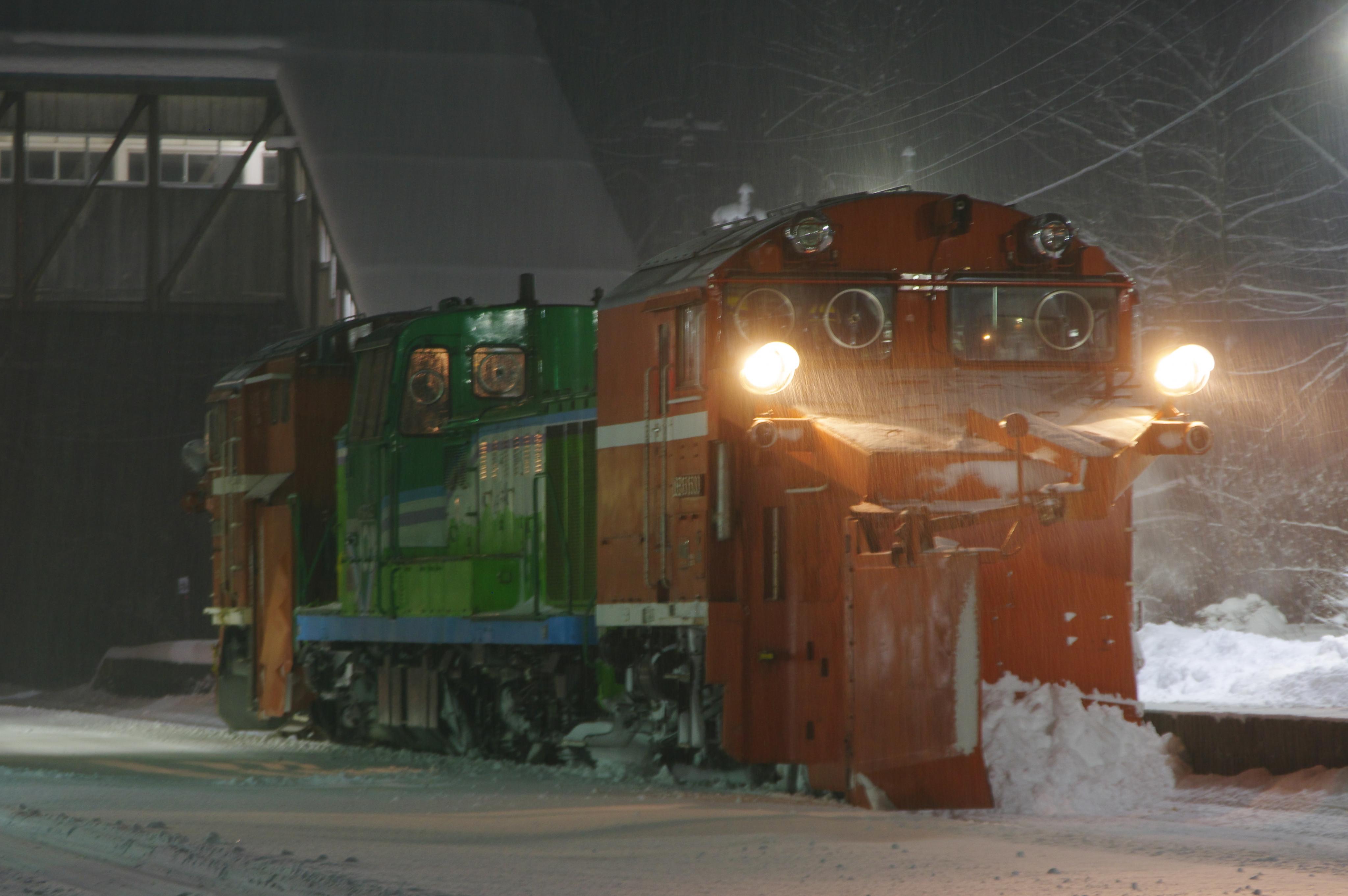 雪122レ DE15-1533機アップ 蘭島駅.jpg