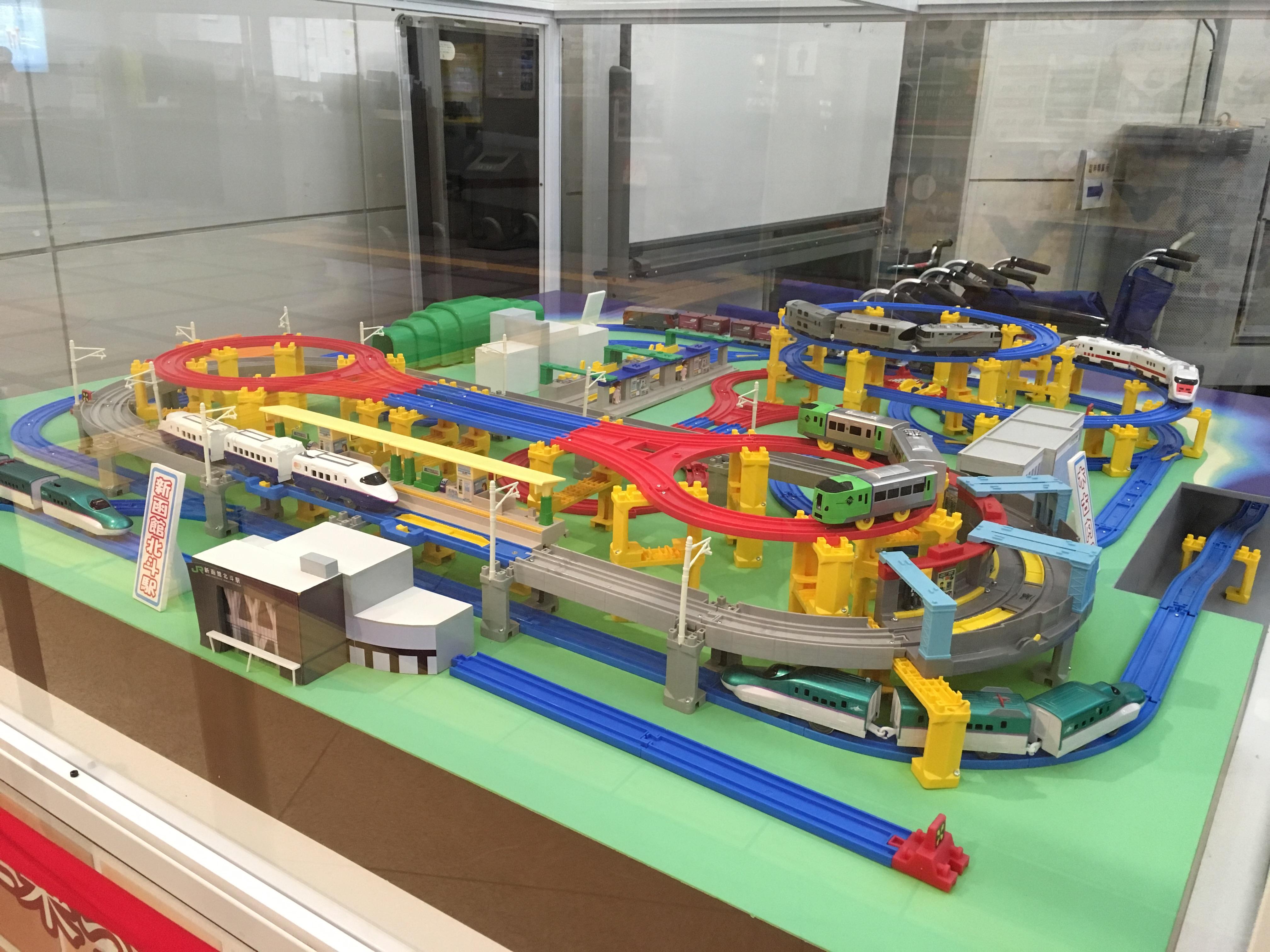 函館駅 プラレール_190120.JPG