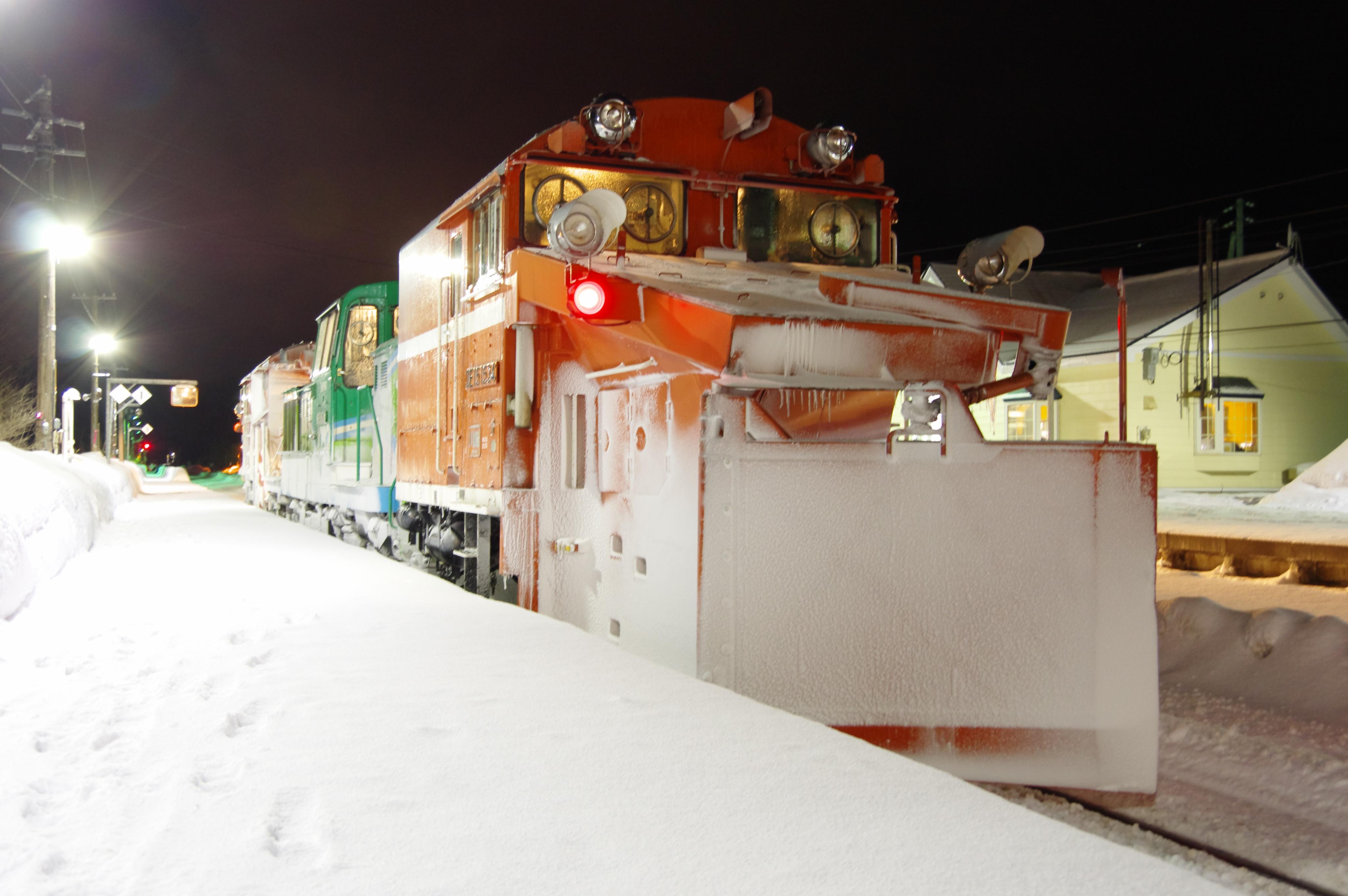 雪122レ DE15−1534機 工法より 蘭島駅.jpg