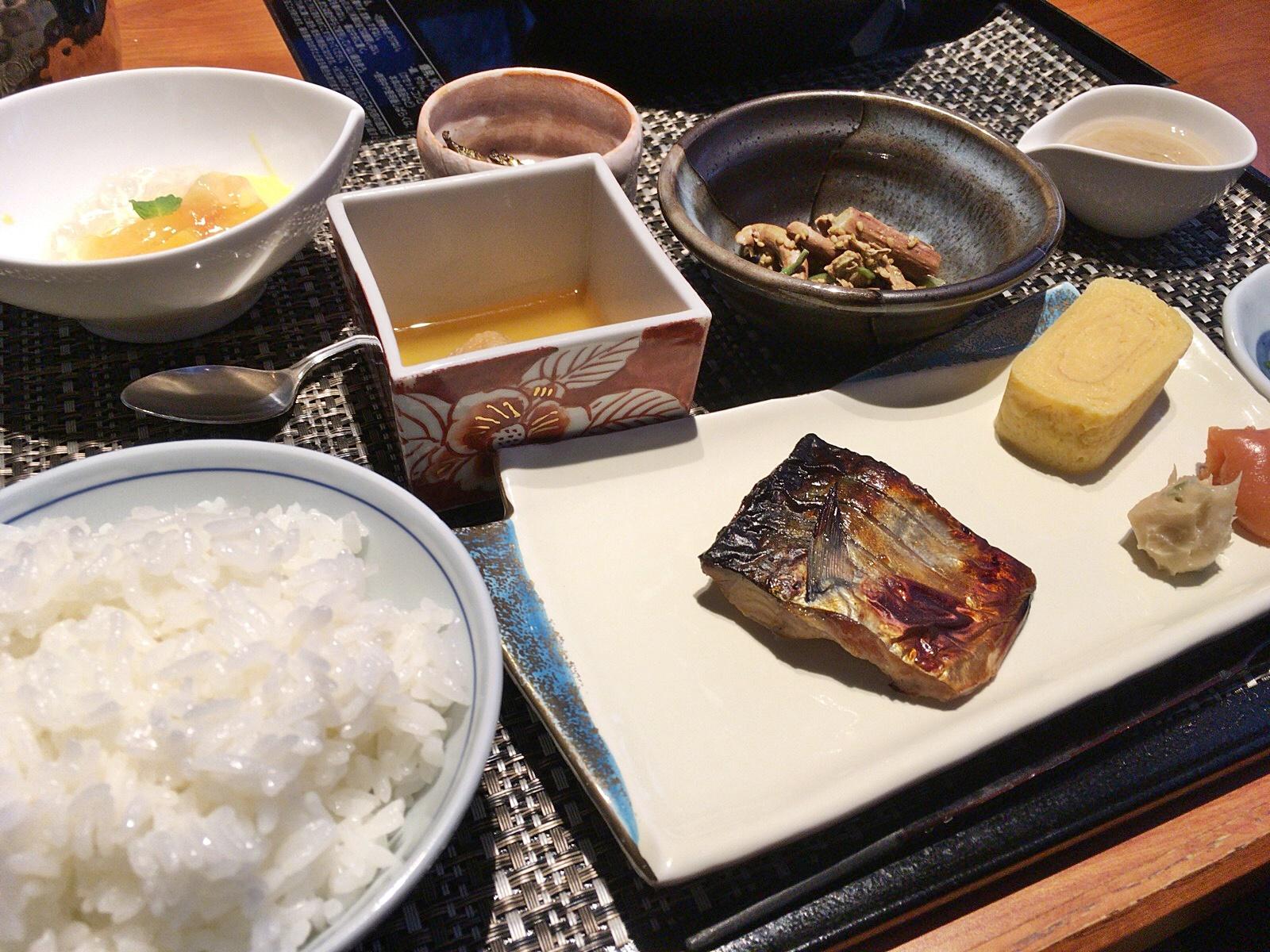 ラビスタ阿寒川 朝食和食膳_190215.JPG