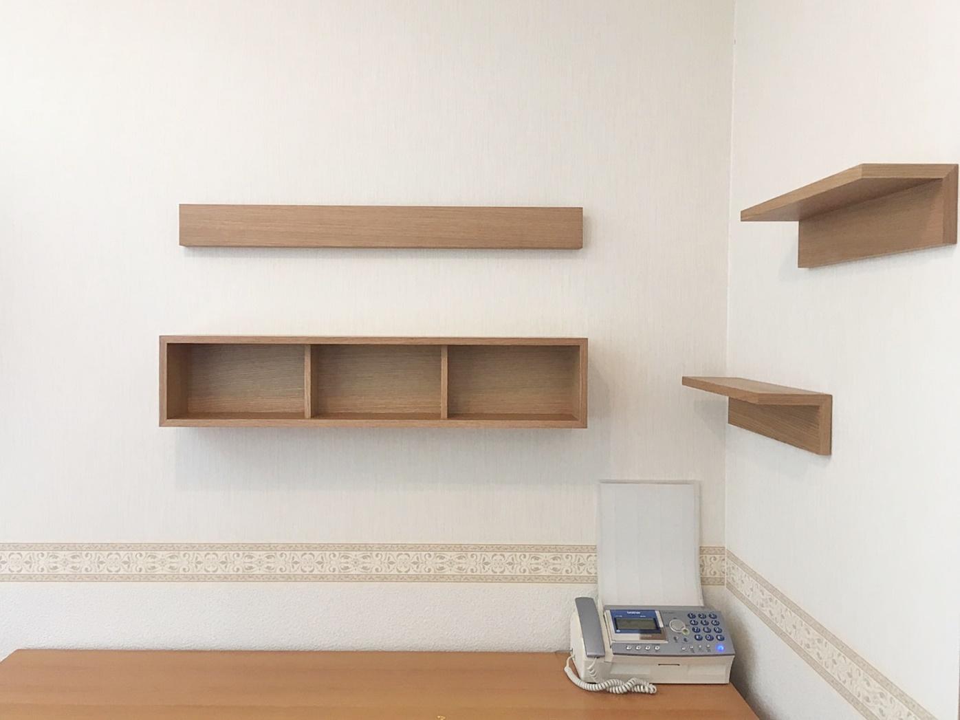 壁に付けられる家具取付完了.JPG