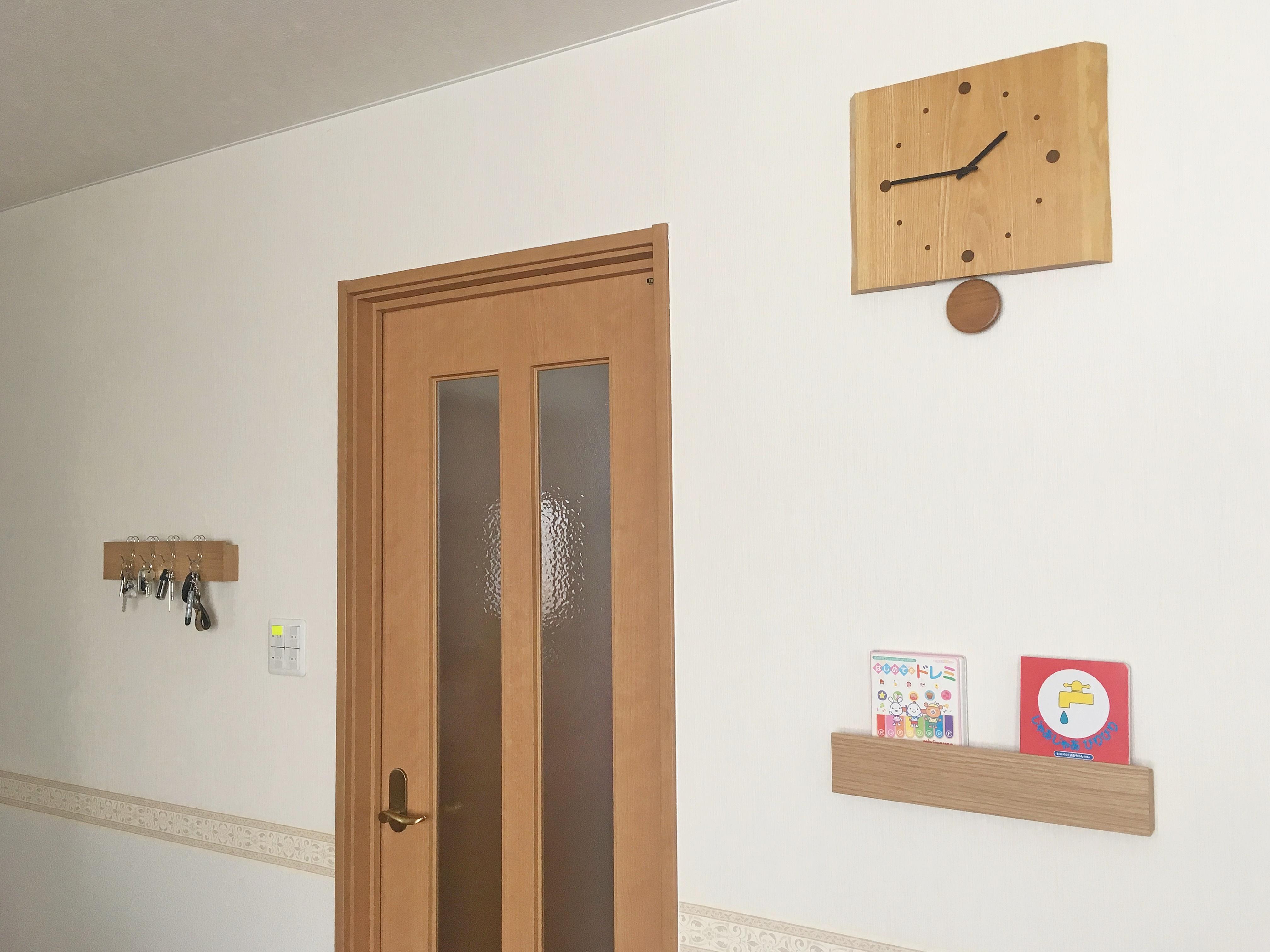 壁に付けられる家具 長押×2 リビング.JPG